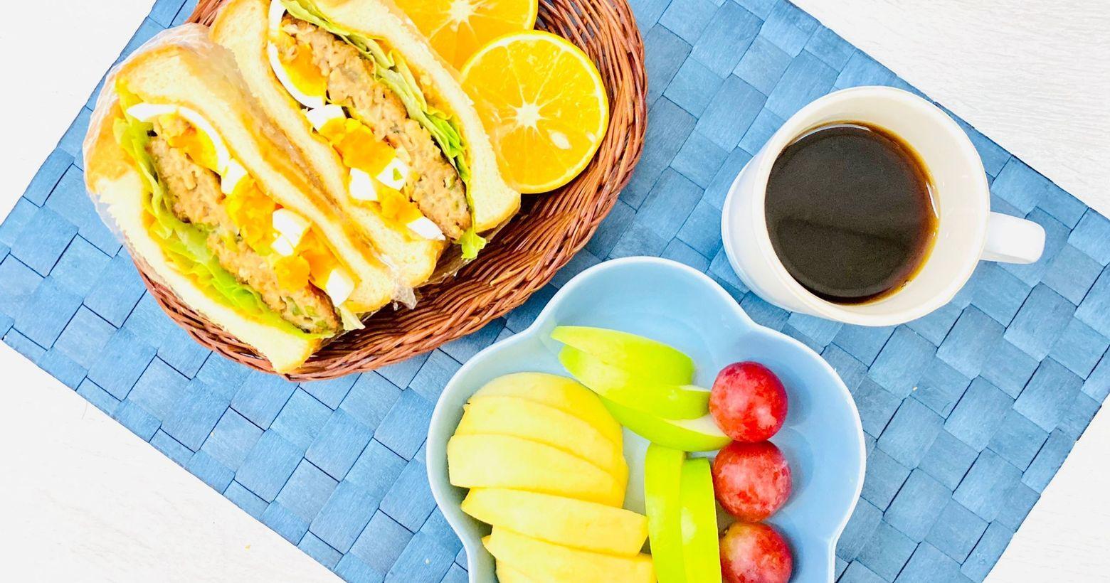 手作早午餐/朝食2021/0/25 烤蔥肉餅水煮蛋總匯三明治🥪2021/01/25早午餐/朝食在家