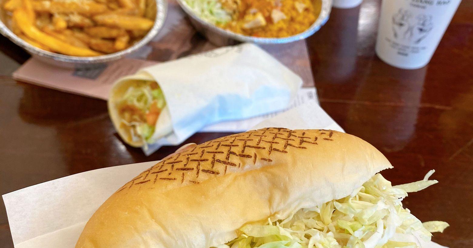 22 KEBAB#君君歐北呷🔍22KEBAB🔺經典烤雞肉飯+可樂$150🔺經典烤雞奶油肉汁薯條