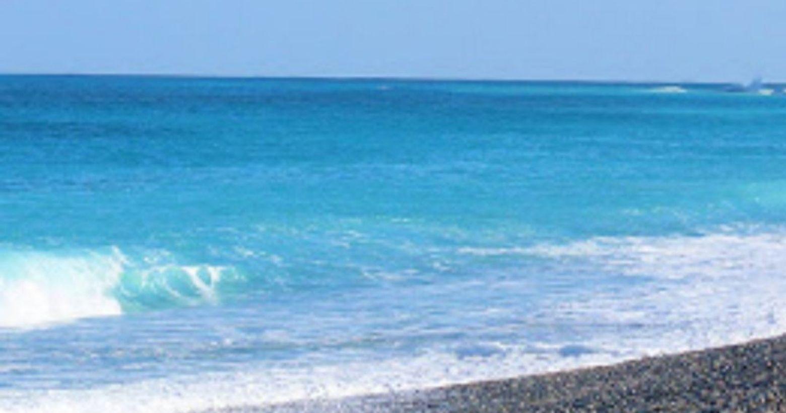 海 V.S 天我常在想如果海與天坐在一起是怎樣的景色?它們是會像老朋友一樣話家常嗎?還是它們會像老夫