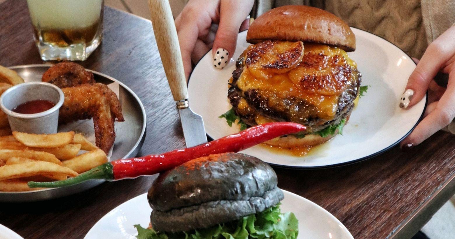 信義區喀漢堡吃漢堡更多圖片請看這裡🍔🍟🥗經過很多次卻沒機會進去的漢堡店漢堡肉都是選用美國進口特